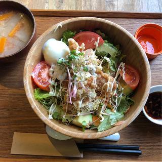 アボカド唐揚げ丼(ウカ ファーム テーブル (UKA FARM TABLE))