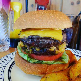 ダブルチーズバーガー(The Burgerlion-バーガリオン)