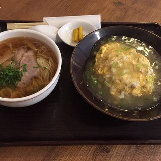天津飯と汁そば(海月食堂 (くらげしょくどう))