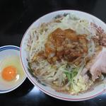 らーめん+生卵(手打ち 焔)