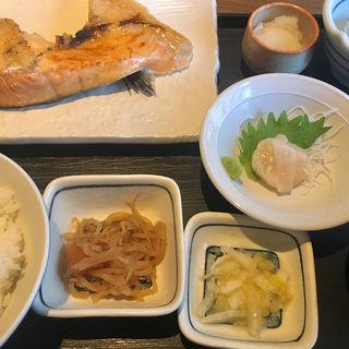 サケカマ塩焼き(魚可津)