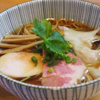 醤油らぁ麺(ワンタントッピング)(麺匠独眼流)