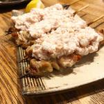 鶏タルタル(炭火串焼とりと 四条烏丸店 )