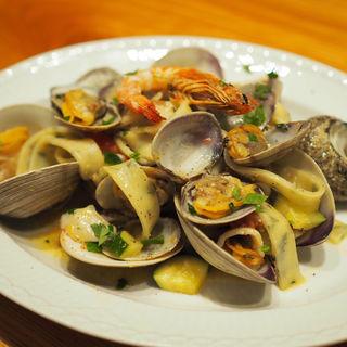 魚介とズッキーニ チェリートマト シャラティエッリ(トラットリア・ツキジ・トミーナ )