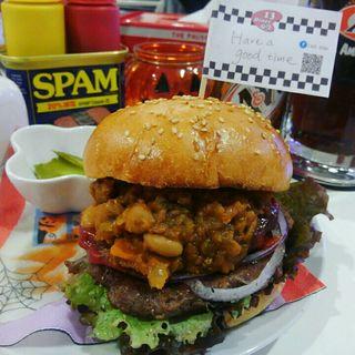 ハンバーガー+チリビーンズ