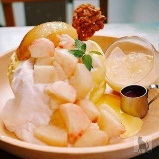 水蜜桃パンケーキ(レインボーパンケーキ (RAINBOW PANCAKE))