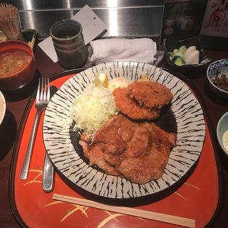 揚げ物と生姜焼き定食(八重洲 とよだ (やえす とよだ))
