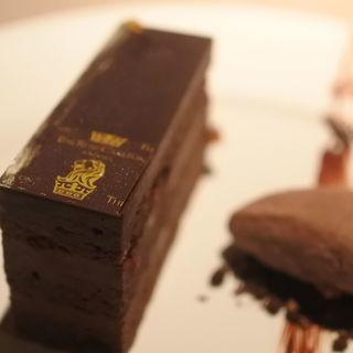 リッツカールトンチョコレートケーキ(グスク )