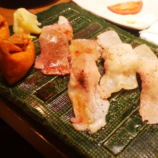 炙り寿司4種盛り(肉寿司 間借り)