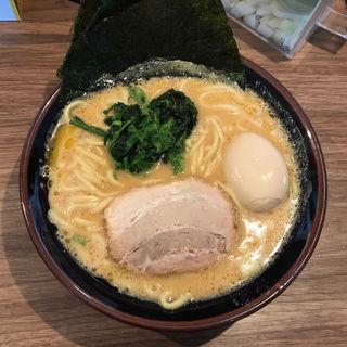 豚骨醤油ラーメン(大)(横濱家系ラーメン 織田家 旭川店)