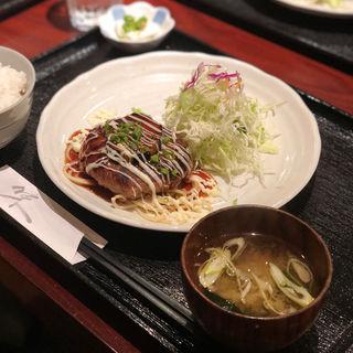 ハンバーグ定食(キッチン夢や)