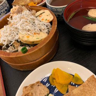 しらす豆腐丼(鎌倉小町 逗子店)