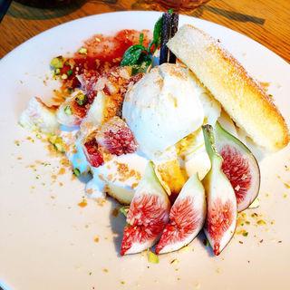 国産フルーツたっぷりのいちじくショートケーキ(TOILO×TANITACAFE (十彩×タニタカフェ))