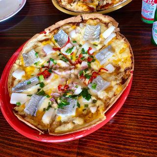 アカイカとタチウオのピザ(歩里人珈琲)