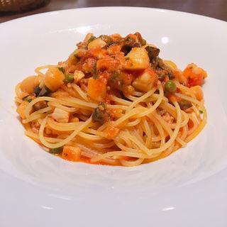 魚介の煮込み 軽いトマトソースのスパゲティ(TRE VERDI (トレ ヴェルディ))