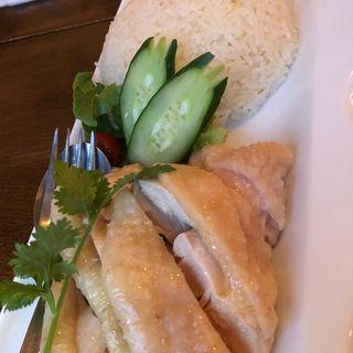 海南チキン 当店自慢のゆで鶏を3種のソースで(カフェ・シンガプーラ 海南鶏飯 )