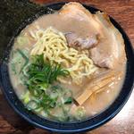 極老豚骨らーめん(大鶴製麺処 (十割小麦そばと讃岐うどんのお店))