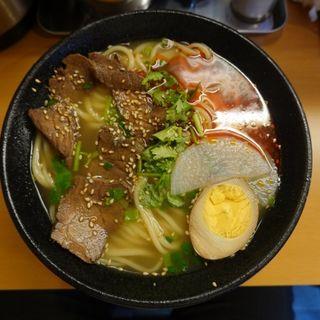 らんしゅう牛肉麺(一品居 蘭州牛肉麺)