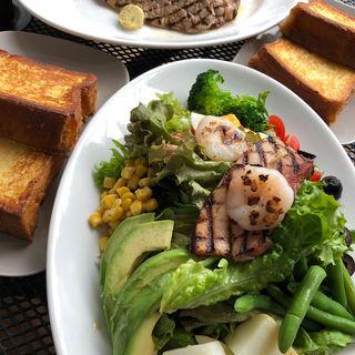 サーロインステーキ+スクランブルエッグ (マーサーカフェ 鎌倉店 )