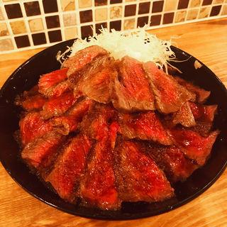 極上イチボステーキ丼(ザ・旨いもんバル×the 肉丼の店 下北沢店)