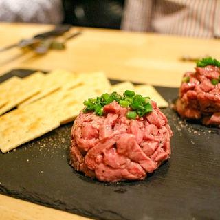 ビーフタルタル(T8 steak house)