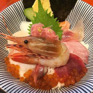 海鮮丼(魚竹)
