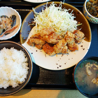 鶏の唐揚げ明太風味定食(博多もつ鍋 やまや 月庭 西中洲店)
