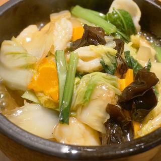 海鮮石焼おこげ(酒肴麺飯 アテニヨル 天神店)