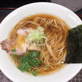 鴨脂と蛤の醤油そば(SOBA HOUSE 金色不如帰 新宿御苑本店 (コンジキホトトギス))
