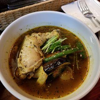 スープカレー 濃黄スープ 骨付きチキン(イエロースパイス)
