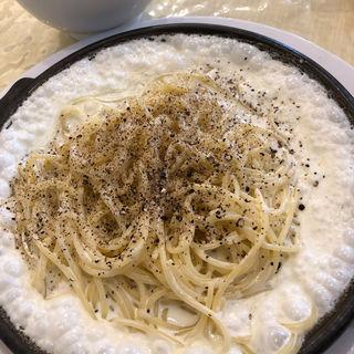 3種のチーズ・チーズ・チーズスパゲティ(マカロニ市場 三島店 )