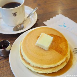 ホットケーキセット(バター)(元町サントス (もとまちさんとす))
