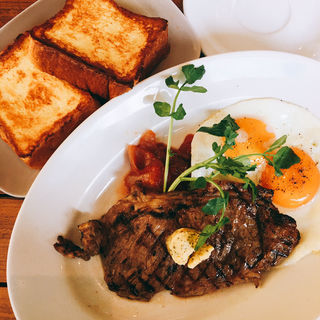 Sirloin Steak & Eggs(BRUNCH KITCHEN KAMAKURA)
