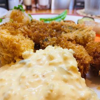 牡蠣フライとアジフライ