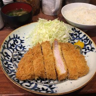 ロースカツ定食(大)(博多とんかつ あんず食堂 博多店)