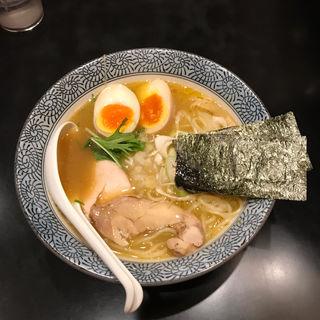 濃厚鶏骨醤油らーめん+味玉(麺屋 武一 横浜関内店)