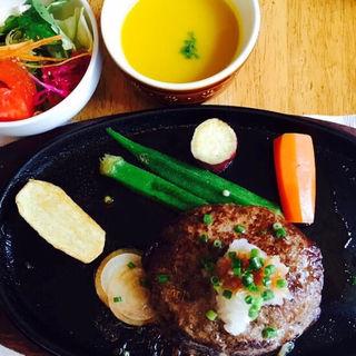 ハンバーグステーキ 和風ソース(洋食屋 青空 (ヨウリョクヤ アオゾラ))