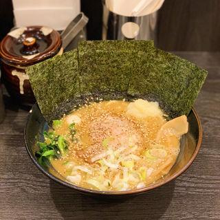 醤油豚骨ラーメン(並)(松壱家 平塚店)
