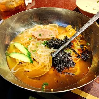 冷麺(焼肉DOURAKU  (どうらく))