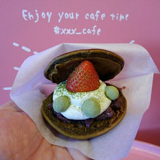 どらパフェ いちご抹茶(Triple x cafe)