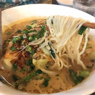 トムヤムラーメン(カフェ ポカポカ (cafe POKAPOKA))