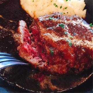 ハンバーグプレート マッシュポテト添え(Meat&Bakery TAVERN (タバーン))