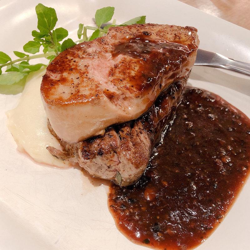 牛フィレ肉とフォアグラのソテー ロッシーニ風