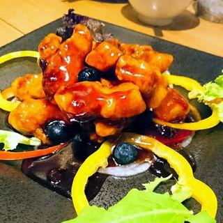 ブルーベリーの酢豚(マンダリン マーケット文華市場)