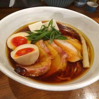 特製醤油ラーメン(いかれたヌードル フィッシュトンズ (いかれたNOODLE Fishtons))