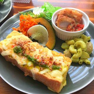 チーズのフレンチトーストセット(ウルーウール (heureux heure))
