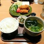 カキフライ定食(カキ3個)