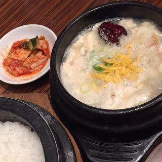 参鶏湯純豆腐チゲ定食(KollaBo 銀座店 (コラボ))