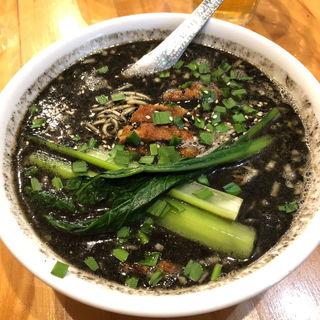 黒の排骨担々麺(瀬佐味亭 (セサミテイ))