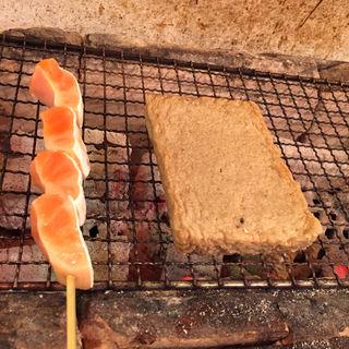 じゃこ天トロ鮭串(赤羽 トロ函 (トロバコ))